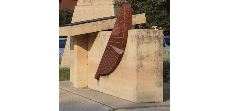 Photo: Dakota Sioux Memorial Bas Relief